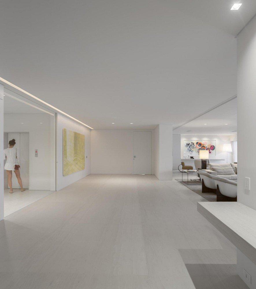 5522fbe3e58ecea119000060_gn-apartment-studio-arthur-casas_4-886x1000