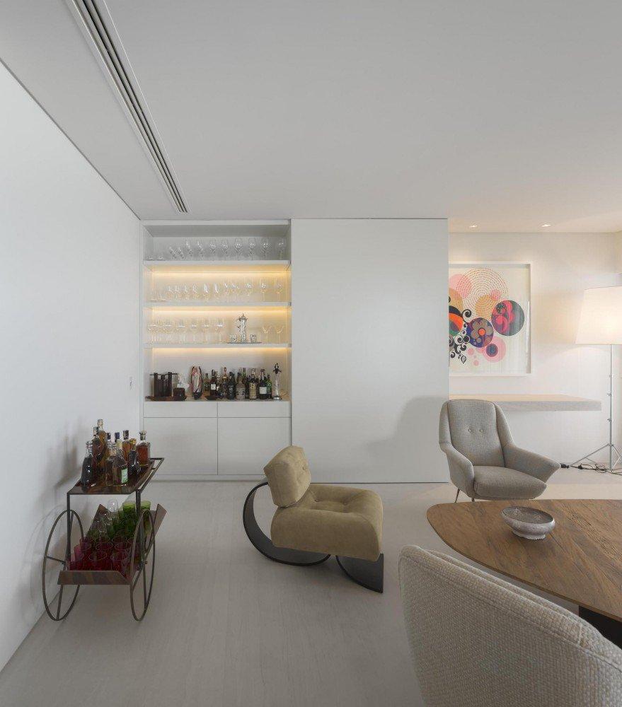 5522fc9be58ecea119000067_gn-apartment-studio-arthur-casas_40-879x1000