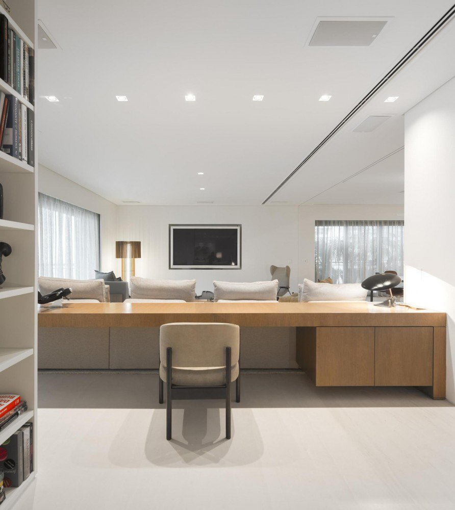 5522fd20e58ecea9f8000056_gn-apartment-studio-arthur-casas_67-892x1000