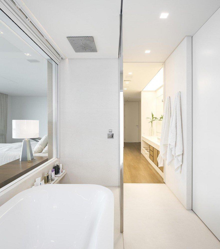 5522fd2ce58ecea11900006d_gn-apartment-studio-arthur-casas_95-882x1000