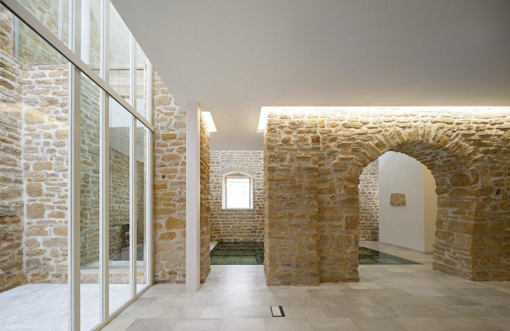 55512b24e58ecece5c0001eb_rehabilitation-ancient-royal-butcher-xvi-century-in-porcuna-pablo-manuel-mill-n-mill-n_1373-0701-1000x650