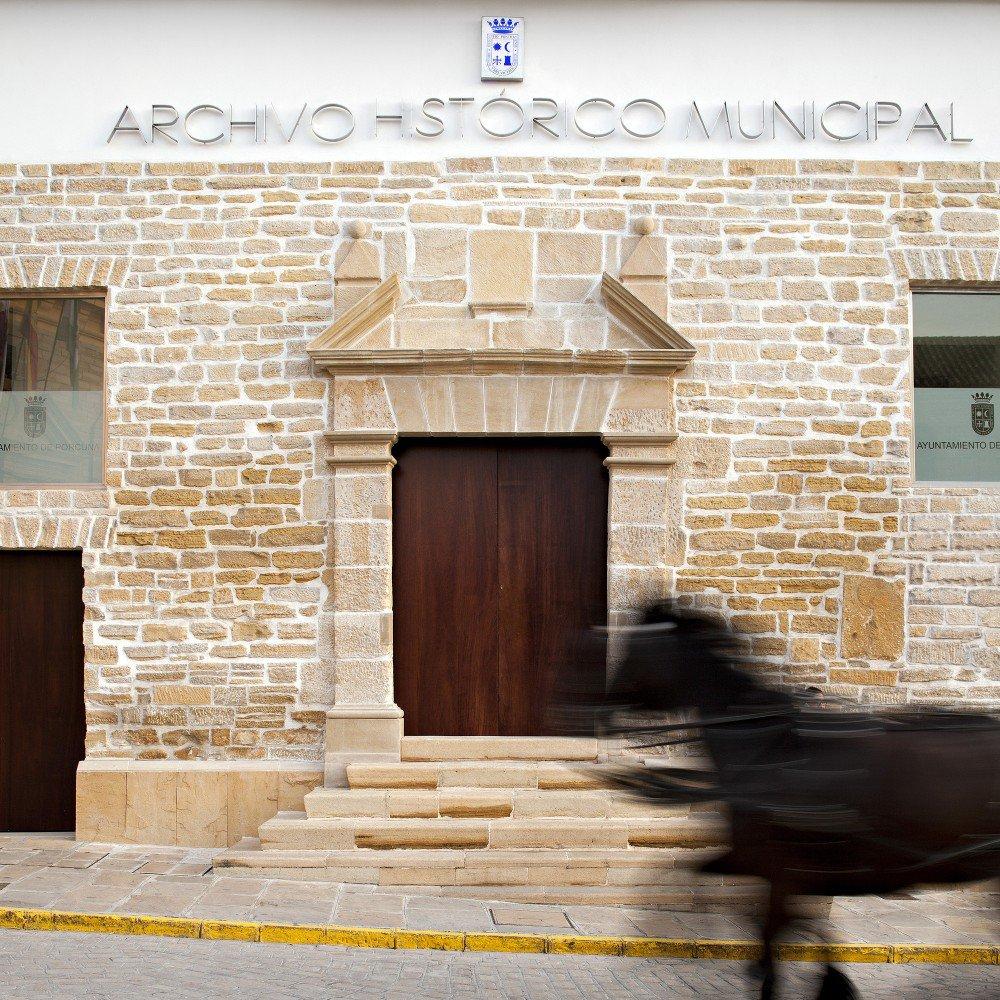 55512b99e58ece92c70001e5_rehabilitation-ancient-royal-butcher-xvi-century-in-porcuna-pablo-manuel-mill-n-mill-n_1373-2561-1000x1000